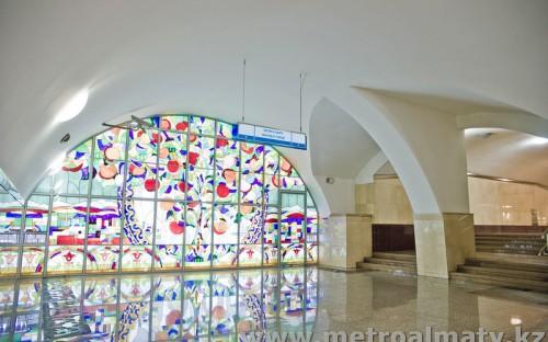 Архитектурная отделка коридора на станции Алмалы